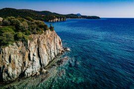 Felsige Küste am Mittelmeer