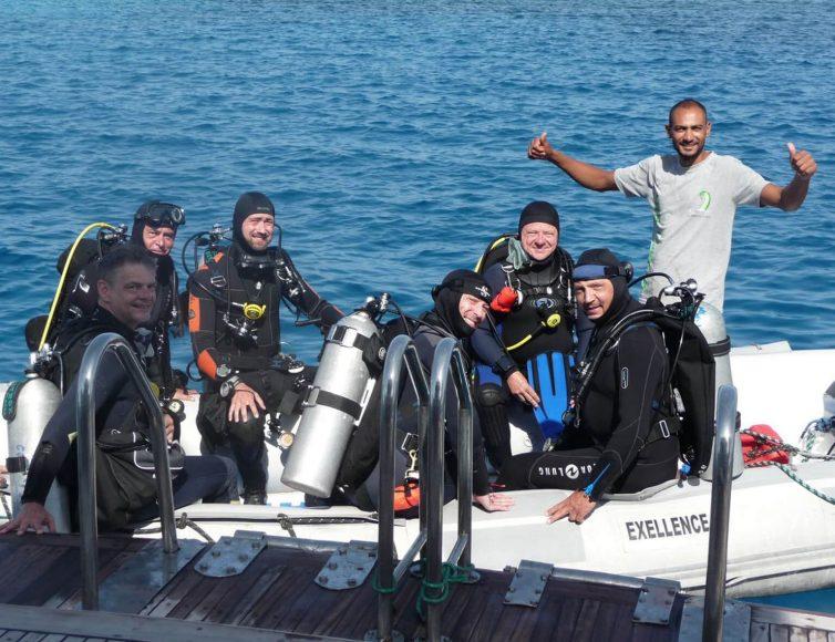 Tauchergruppe Thomas auf dem Schlauchboot